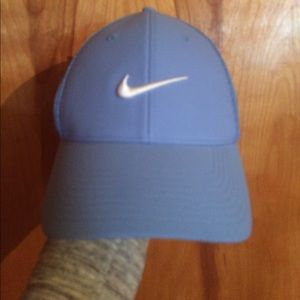 NWOT Nike baby blue golf hat